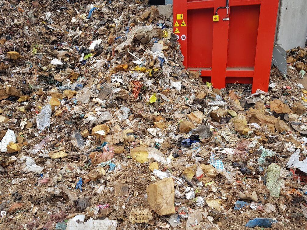 rifiuti pronti per lo smaltimento e il riciclo