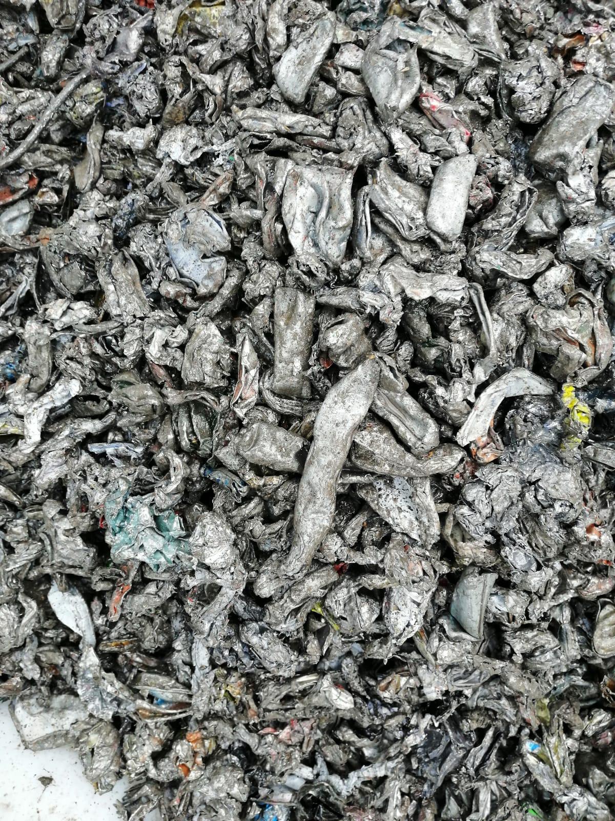 materiale output smaltimento rifiuti