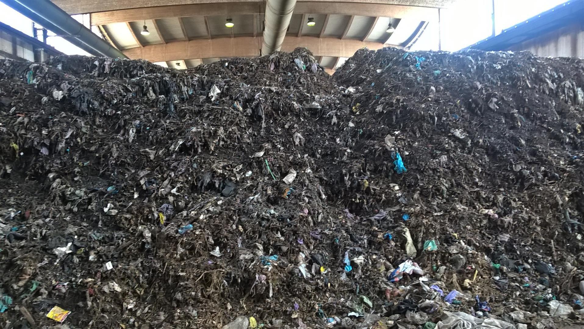 rifiuto-per-raffinazione-compost