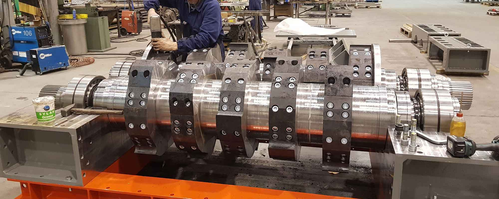 Particolare di un momento della produzione interna di un macchinario
