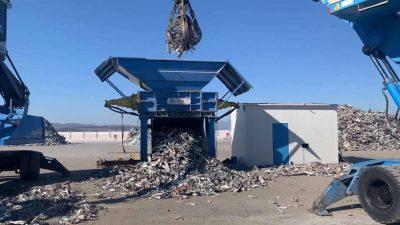 carico-materiale-trituratore-tss-alumil